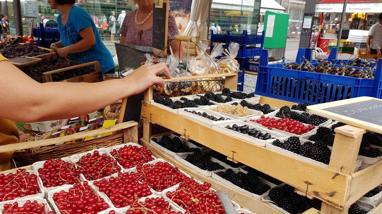 Puesto de fruta en la PLaza del Mercado de Basilea