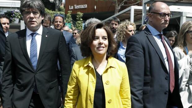 Carles Puigdemont y Soraya Sáenz de Santamaría