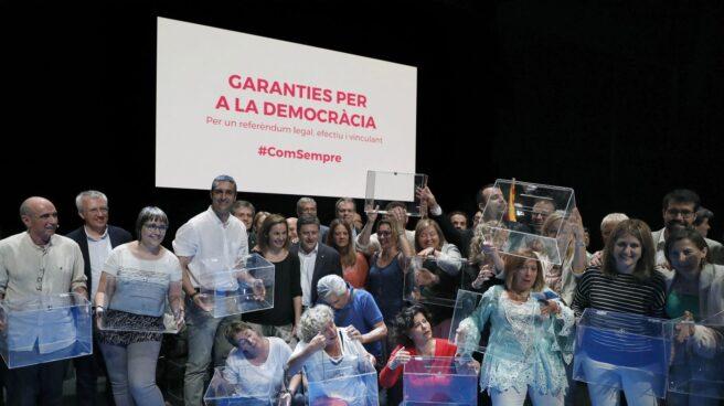 Presentacion del referendum en el Teatro Nacional de Cataluña.