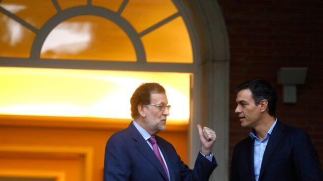 Encuentro entre Rajoy y Sánchez en Moncloa el pasado julio.