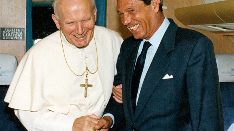 Joaquín Navarro-Valls, junto a Juan Pablo II.