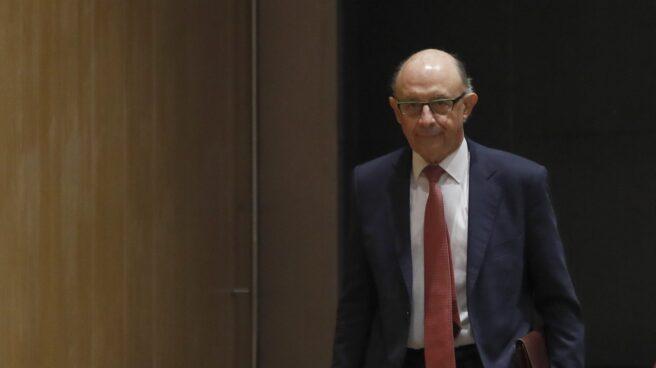 El ministro de Hacienda, Cristobal Montoro, explica que Cataluña seguirá contando con financiación para los servicios públicos.