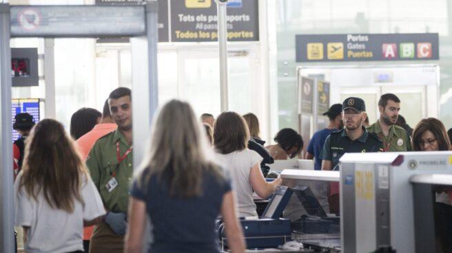 Los trabajadores de seguridad del Aeropuerto de Barcelona mantienen la huelga.