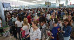 Colas en los controles del aeropuerto de El Prat