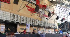 La imagen de 32 etarras preside uno de los locales o txosnas festivas de la Semana Grande de Bilbao.