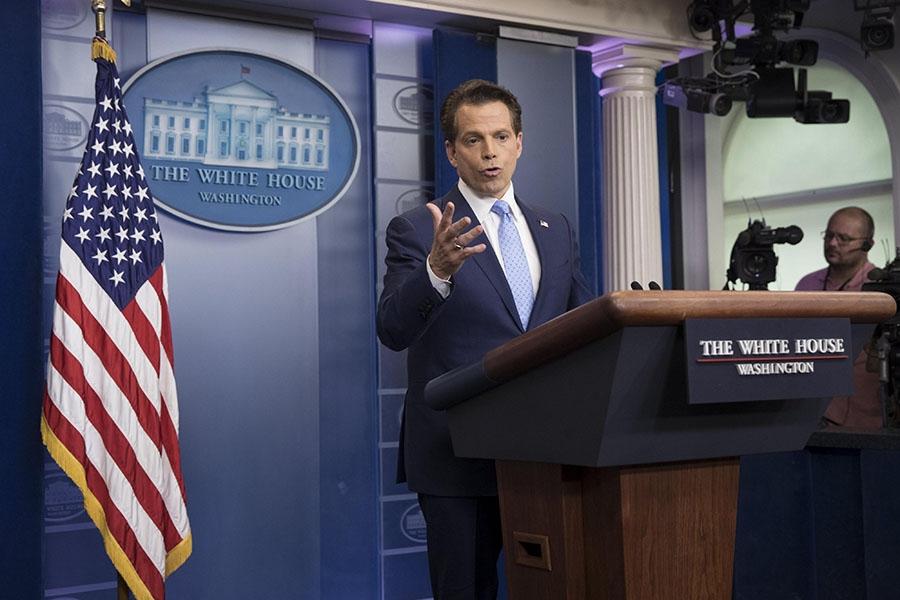 Donald Trump cesa a Anthony Scaramucci tras 10 días en el cargo.