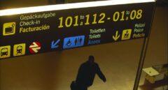 Pasajero en el aeropuerto de Málaga-Costa del Sol.