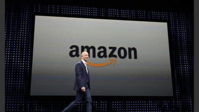 Trump acusa a Amazon de dañar al empleo.