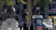 Un grupo de 'mossos', tras el atentado en La Rambla el pasado 17 de agosto.