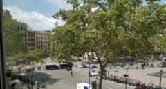 Zona acordonada por los Mossos, entre la calle Pelayo y Plaza Cataluña.
