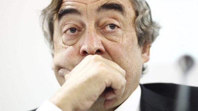 El presidente de CEOE, Juan Rosell, representará a los empresarios en la manifestación contra el atentado de Barcelona.