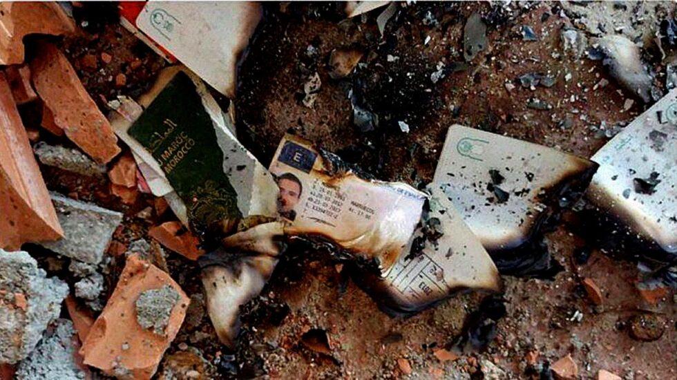 Documentación quemada de los yihadistas que apareció en Riudecanyes.