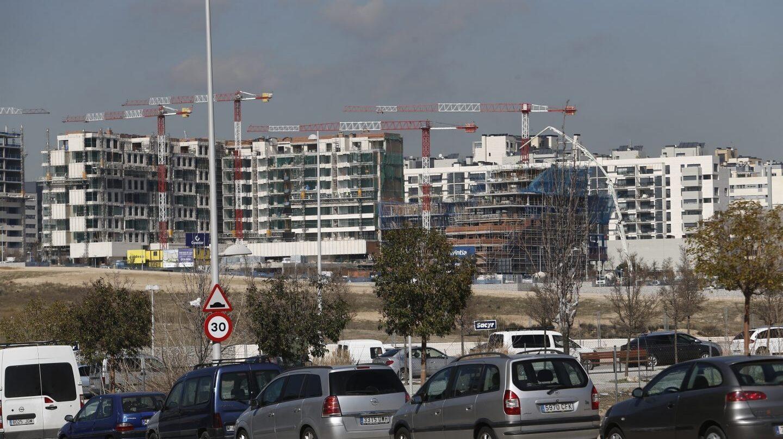 Viviendas de nueva construcción en España: los bancos recomiendas comprar este año ante el aumento de precios.