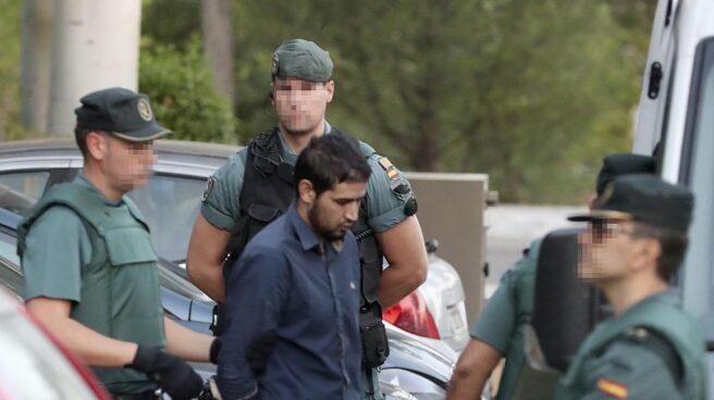 La Guardia Civil Custodia a Mohammed Alla.