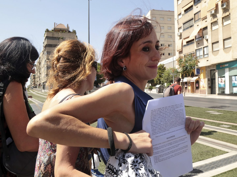Juana Rivas, a la salida de los juzgados en Granada.