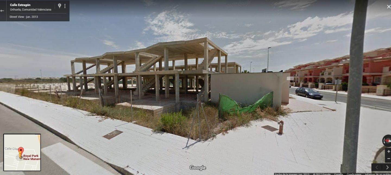 Estado de lo que iba a ser Royal Park New Manantial, en Orihuela (Alicante): un resort de lujo del que solo existen los cimientos.