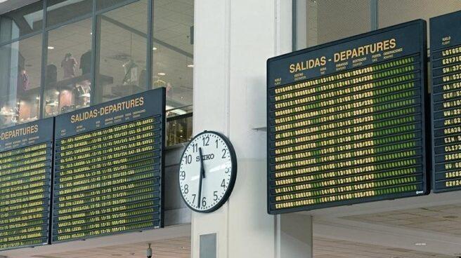 Panel de vuelos en uno de los aeropuertos españoles.