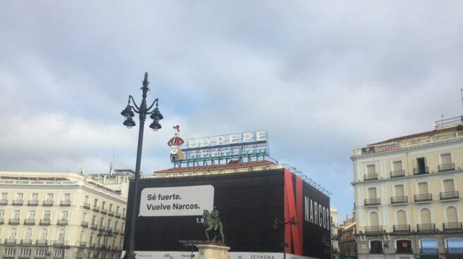 Publicidad de Narcos (Netflix) en la Puerta del Sol.