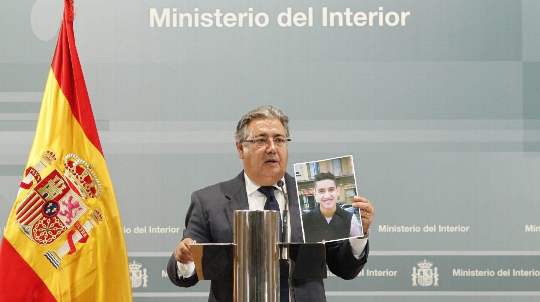 El ministro del Interior, Juan Ignacio Zoido, durante su comparecencia tras la reunión del Pacto Antiyihadista.