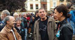 Arnaldo Otegi, junto a la parlamentaria de EH Bildu, Jasone Agirre durante la marcha en apoyo al referéndum del 1-0 celebrada en Bilbao.