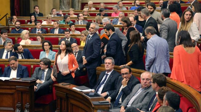 Referéndum 1-O: los diputados de Ciudadanos abandonan el Parlament.