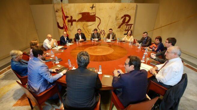 Una de las reuniones del 'Govern' que encabezaba Carles Puigdemont.