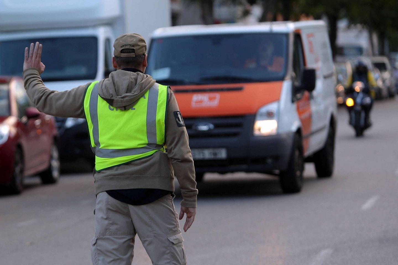 La Guardia Civil registra sedes de Unipost en Tarrasa y Hospitalet.