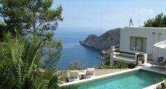 Mueren dos jóvenes de 22 y 26 años precipitados desde un hotel en Ibiza