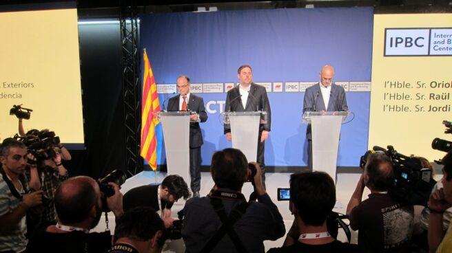 Turull, Junqueras y Romeva, en la rueda de prensa sobre el referéndum 1-O.