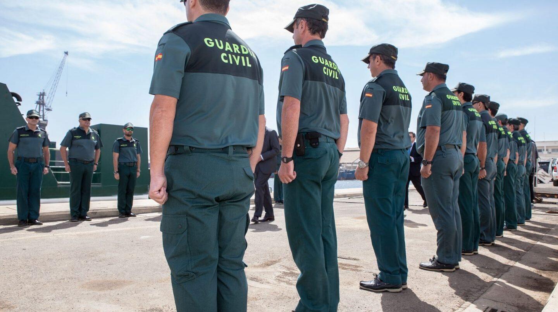 La guardia civil moviliza a agentes de vacaciones por el for Ministerio del interior guardia civil