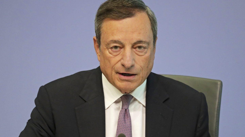 Draghi abre la puerta a aumentar la compra de deuda.