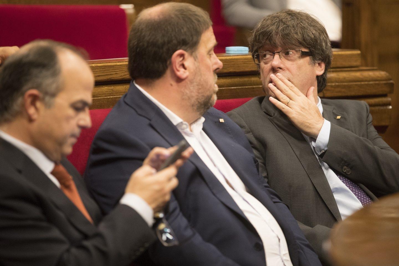 Referéndum 1-O: Turull, Junqueras y Puigdemont, en el Parlament.