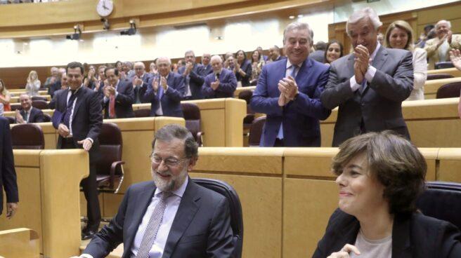 Referéndum 1-O: Rajoy y Soraya Sáenz de Santamaría, en el Senado.