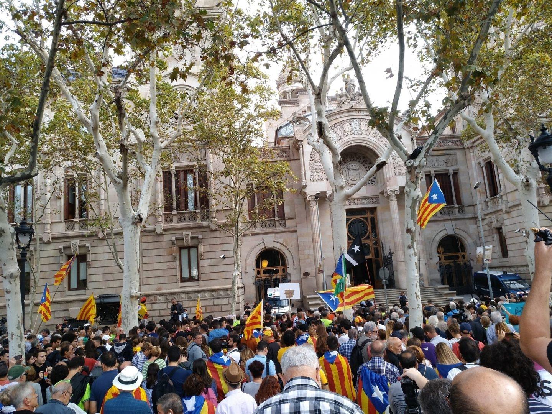 Manifestaciones ante la sede del TSJC en Barcelona.