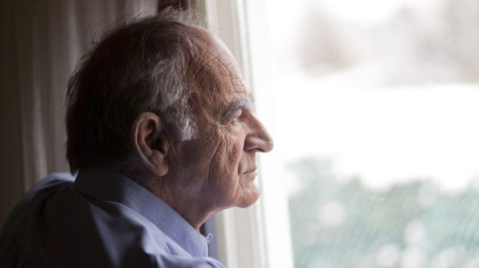 Aún no existe una terapia eficaz contra el Alzheimer, cuya incidencia aumenta de forma exponencial.