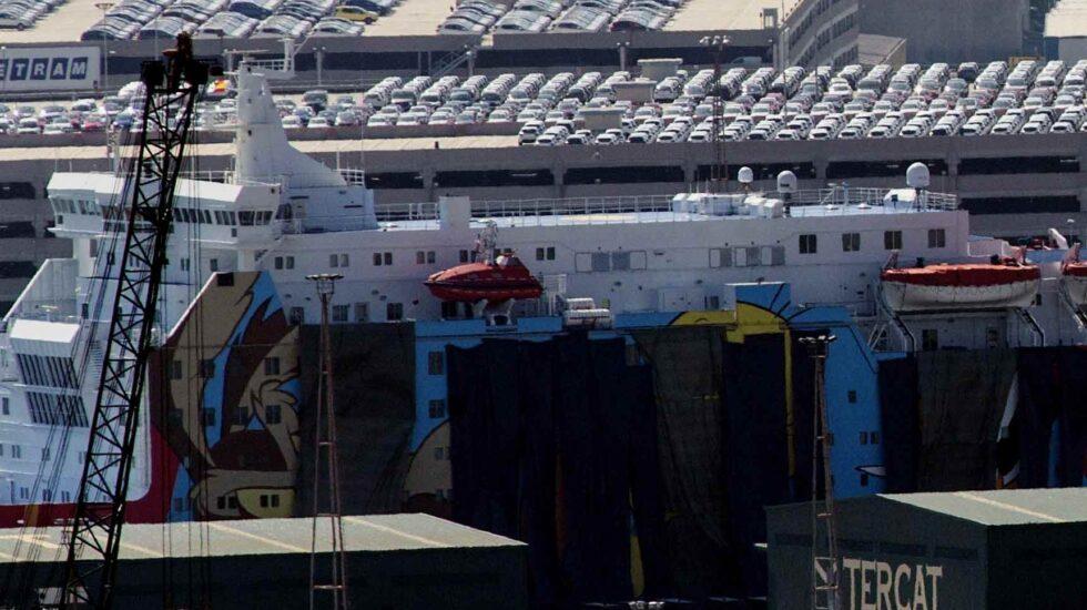 Vista del 'Moby Dada', uno de los ferries contratados por el Ministerio del Interior para alojar a los agentes desplazados a Cataluña.
