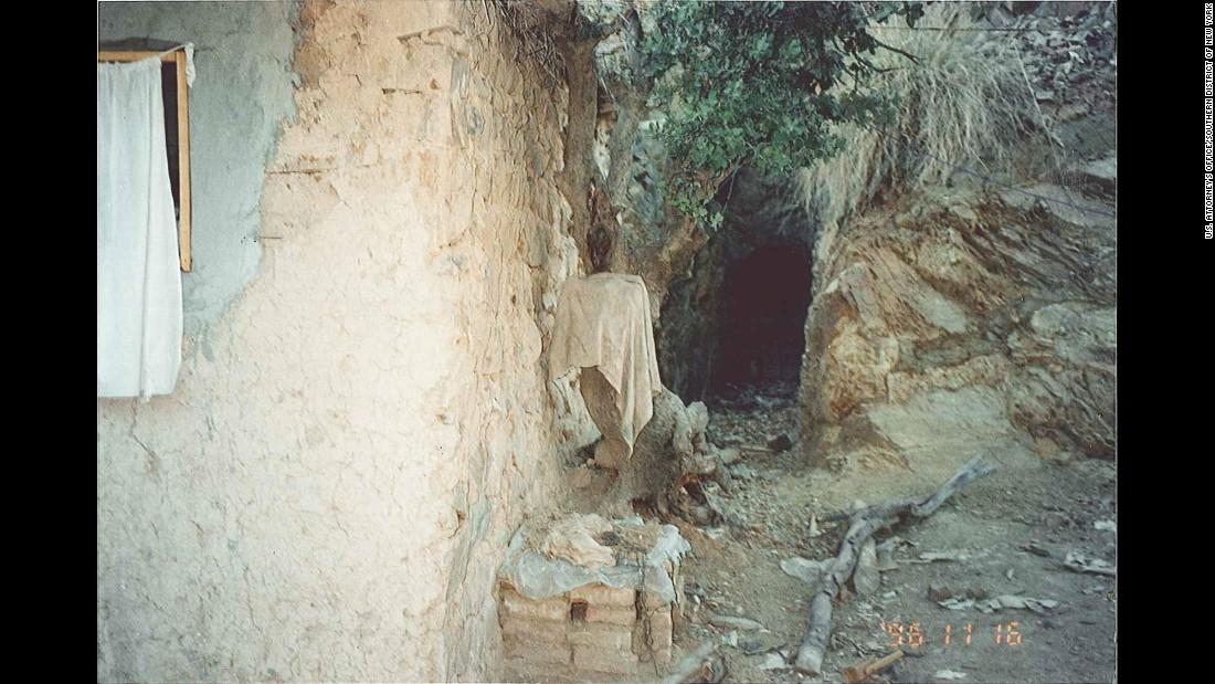 Una cueva en Tora Bora