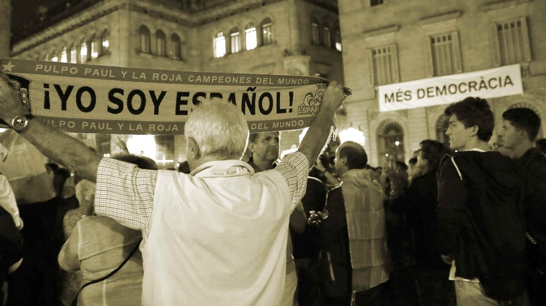 Referendum Cataluña 1-O: Independentistas frente a constitucionalistas.