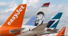Aviones de las aerolíneas easyJet y Norwegian.