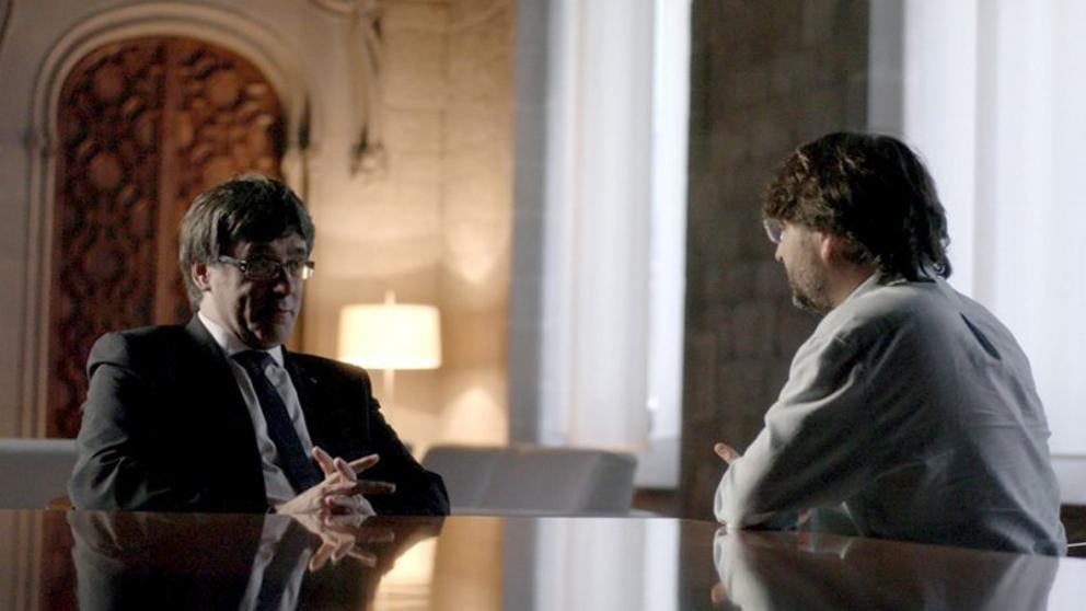 Carles Puigdemont y Jordi Évole durante el programa Salvados.