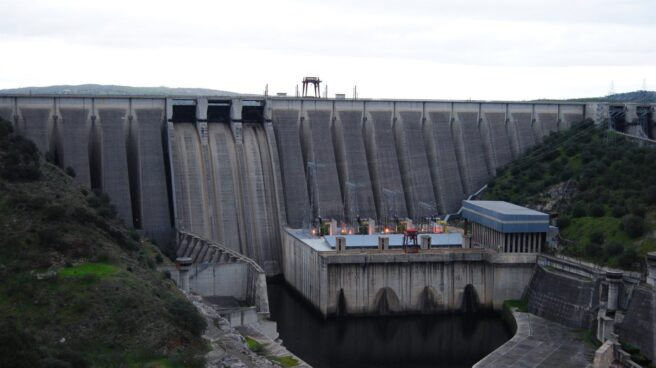 Central hidroeléctrica del pantano de Alcántara, en Cáceres.