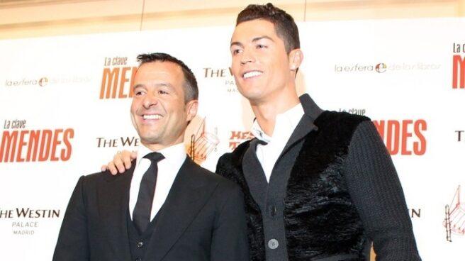 Jorge Mendes, junto a Cristiano Ronaldo.