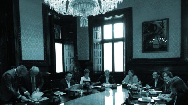 La Mesa del Parlament en una de las reuniones de este martes.