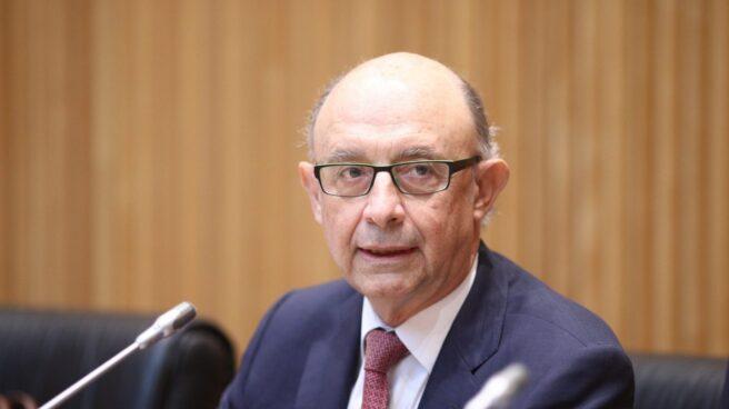 El ministro de Economía, Cristóbal Montoro, comparece en el Congreso para explicar la toma de control de las cuentas de Cataluña.
