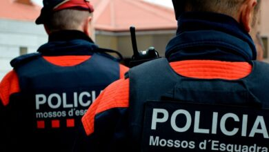 Un hombre quema un piso en Tarragona con dos mujeres dentro