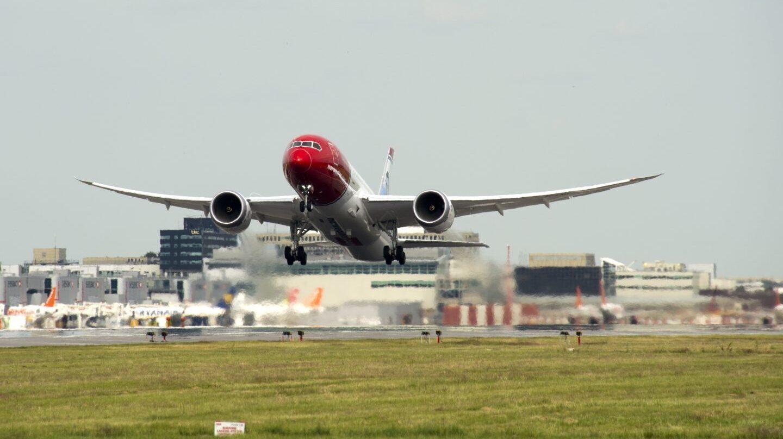 Norwegian pone en alerta a sus rivales: fichará otros 300 pilotos el próximo año