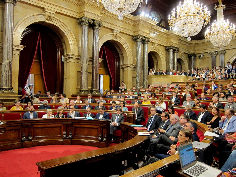 Pleno del 'Parlament' durante el debate de la Ley de Referéndum.