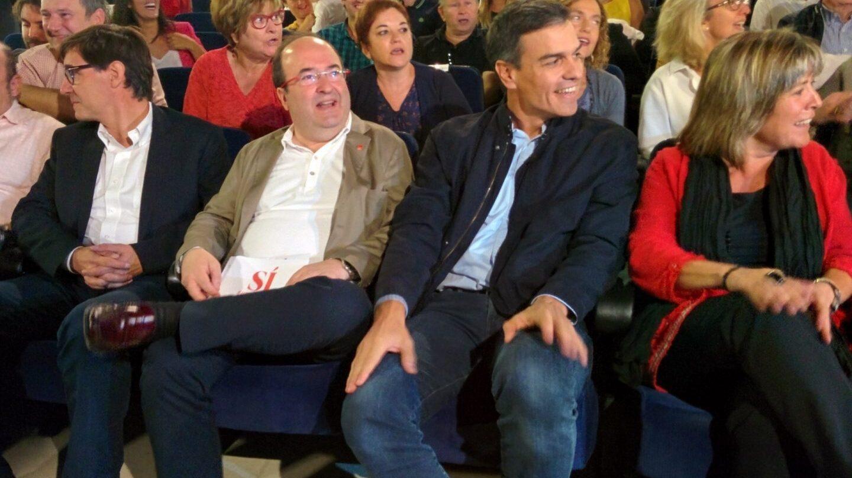 Pedro Sánchez junto a Miquel Iceta en Badalona.