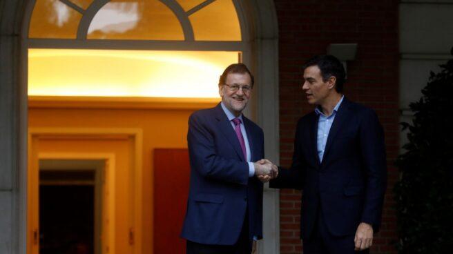 Mariano Rajoy y Pedro Sánchez, durante un encuentro en Moncloa.