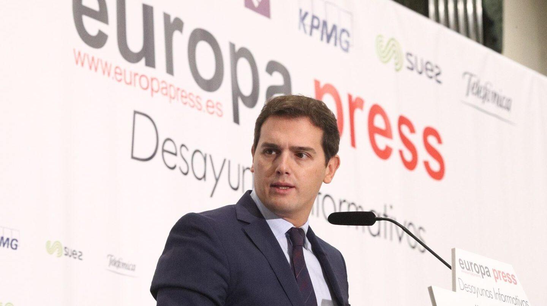 El presidente de Ciudadanos, Albert Rivera, durante el desayuno informativo de Europa Press.